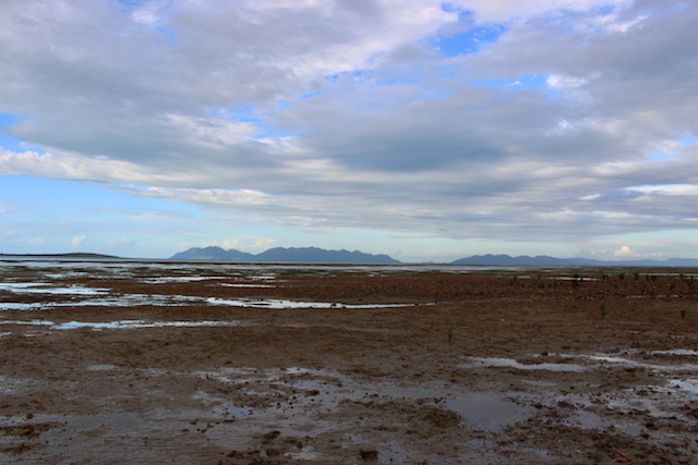 There is a mudflat to the west of Bramston Reef.